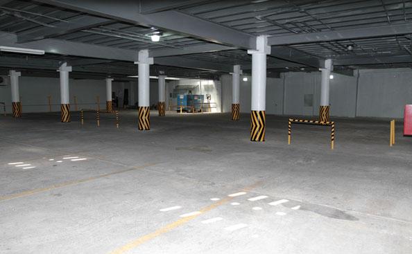Amplio Estacionamiento y Planta Eléctrica